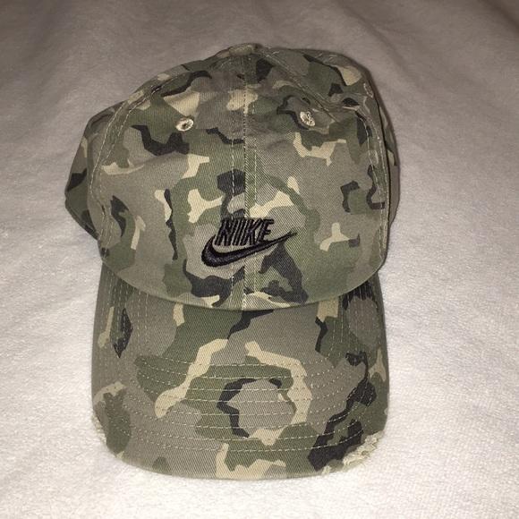 Nike Camo Hat. M 5a90dedecaab442a9bfd8b9a 369383fd22b